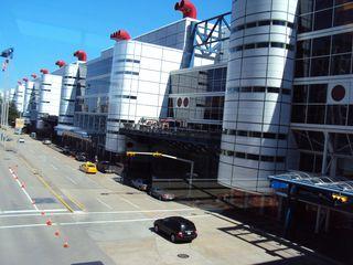 Vista do imenso prédio do George Brown Convention Center, onde acontece o evento